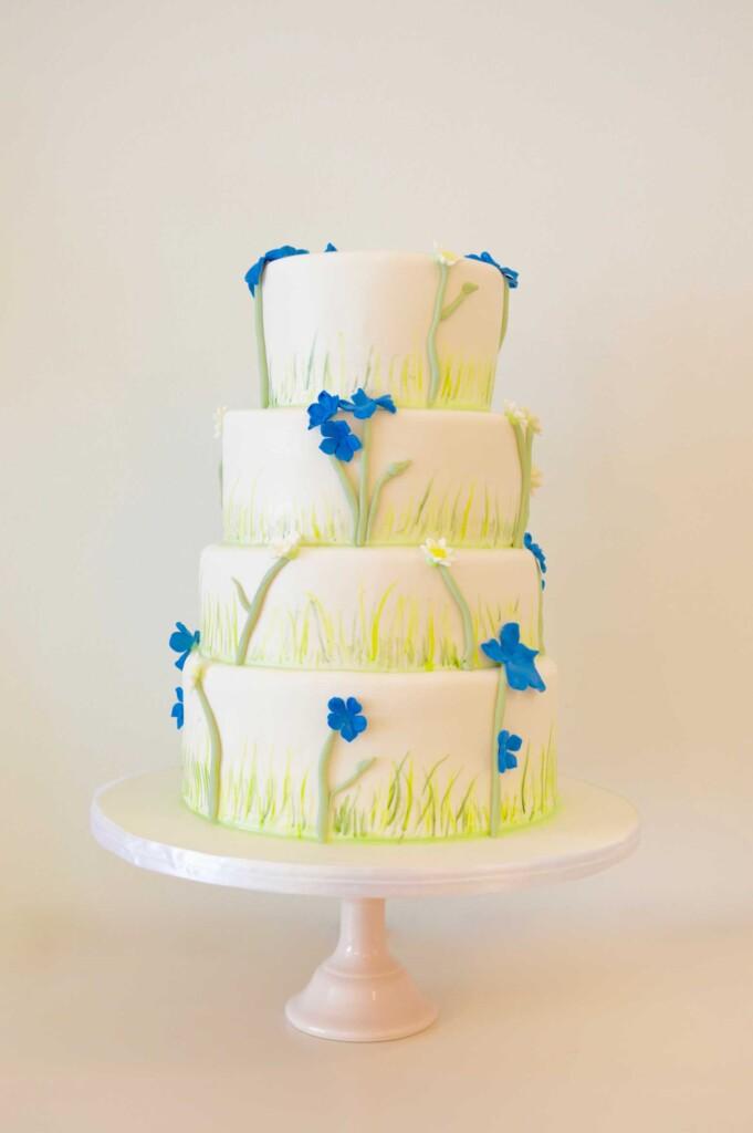 Blue flowers wedding cake, 3 laags blauw bloemetjes taart bestellen