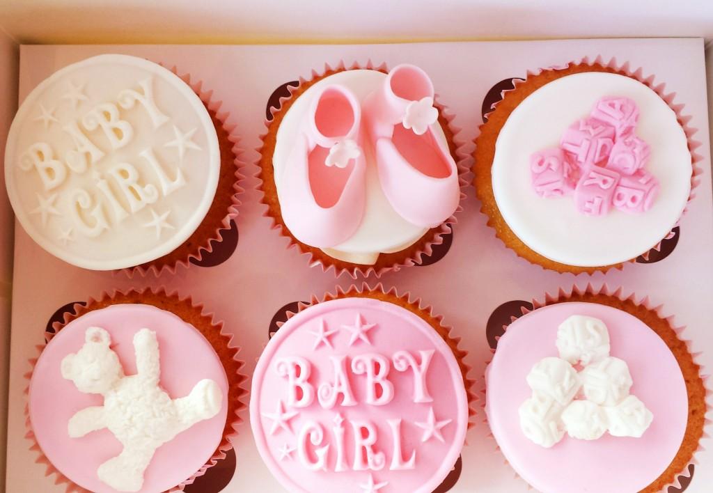 baby shower cupcakes roze, roze cupcakes voor baby shower, meisje cupcakes, gender reveal cupcakes, cupcakes bestellen Denhaag