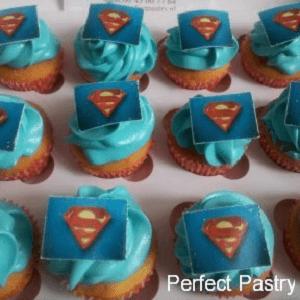 Cupcake's met eetbare superman foto's