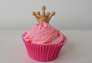 Roze cupcake met kroon