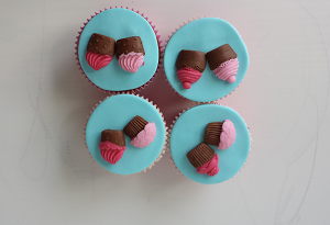 Cupcake's met mini cupcake figuurtjes
