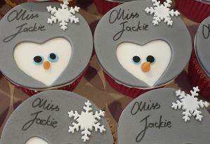 Cupcake's met sneeuwpop figuurtjes