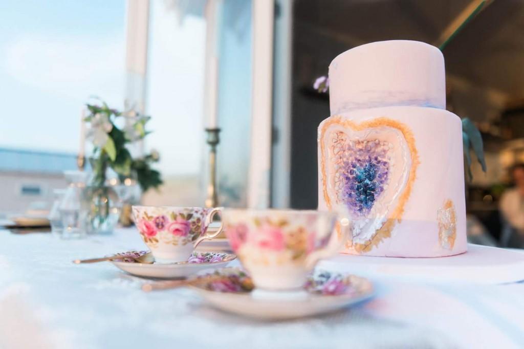 Rosequartz & Serenity, wedding cake pink, gold wedding cake