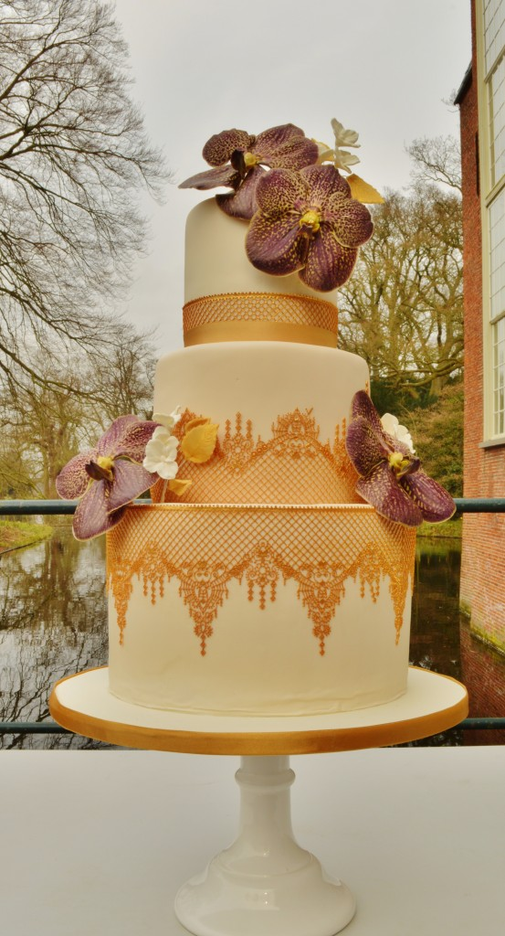 Royal Lace wedding cake, orchidee taart, Claire Bouwman lace cake,