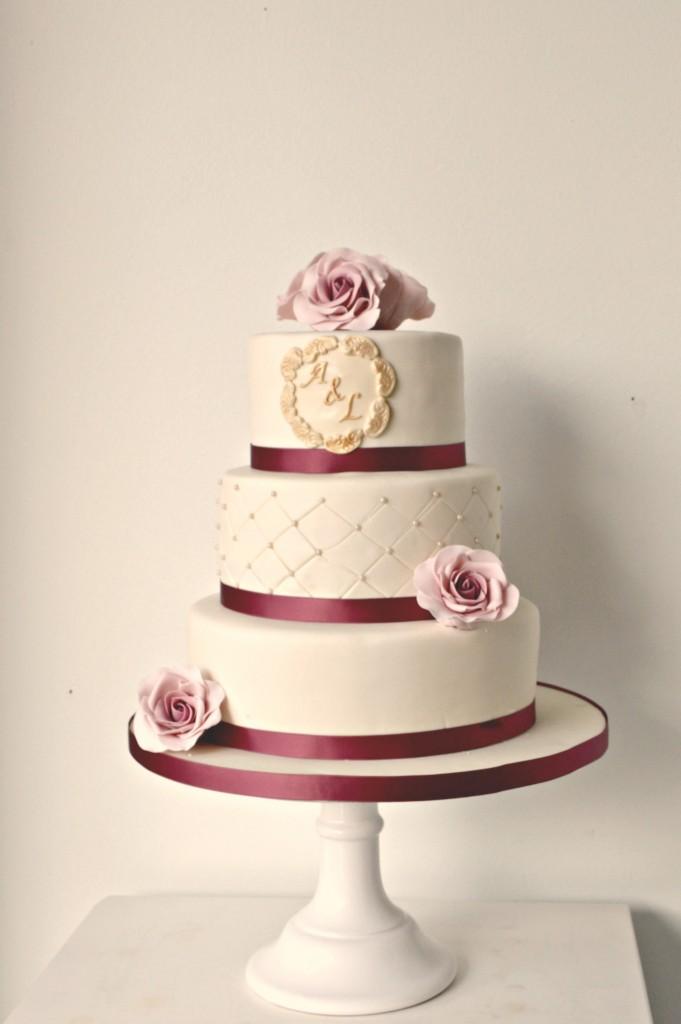 bruidstaart goud bestellen, trouwtaart met rozen den haag