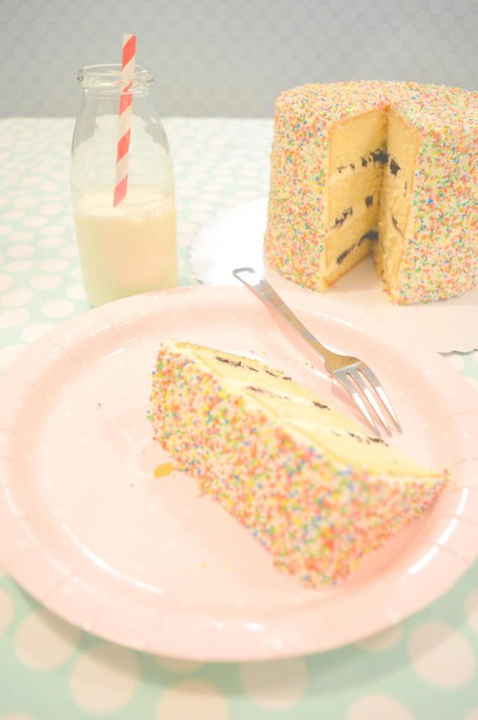 vanilla cake, order cake, oreo's cake, sprinkles cake