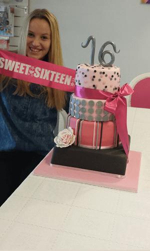 4 Laags sweet sixteen verjaardagstaart