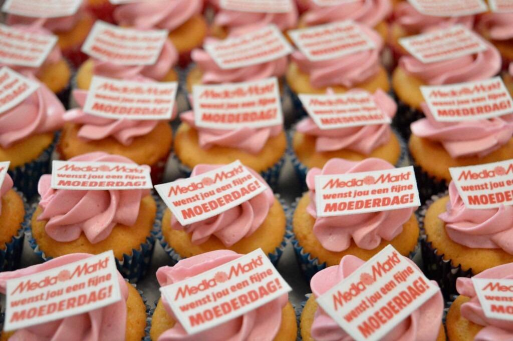 logo cupcakes bestellen, company logo cupcakes order, taarten den haag bestellen