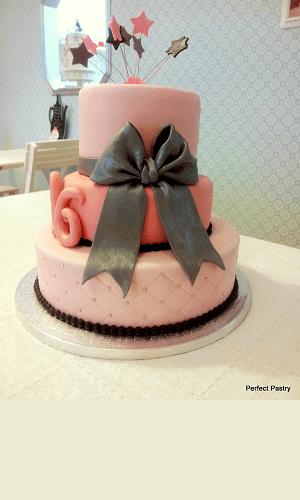 3 Laags sweet sixteen verjaardagstaart