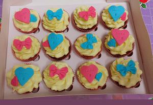 Cupcake's met strikjes en hartjes