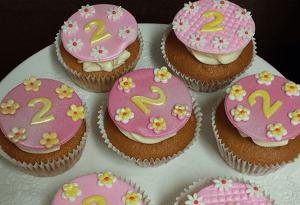 Cupcake's met cremévulling en leeftijd