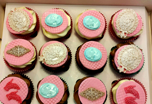 Luxe cupcake's met verschillende versiersels