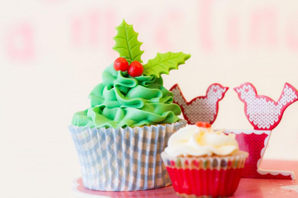 Kerst cupcakes bestellen in Scheveningen, Kerst taartjes, kerst koekjes, logo gebak, kerst cupcakes, kopcakes kerstboom, christmas tree cupcake, christmastree cupcake, cupcake mistletoe