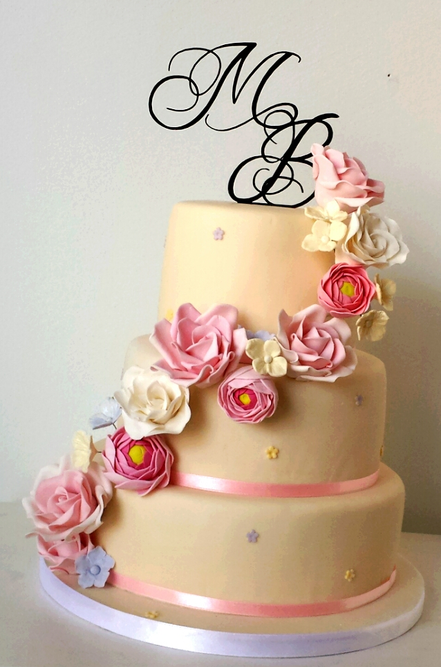 romantic ivory sugar flower wedding cake