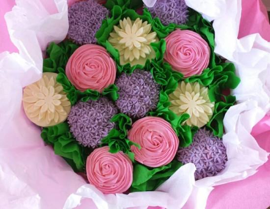 cupcakes-bloemen-roze-paars-wit