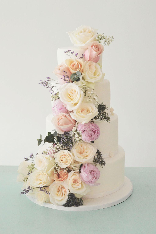 bruidstaart-bloemen-roze-pastel