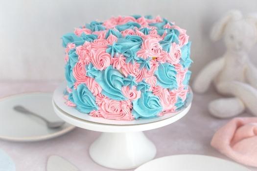 Gender-reveal-blauw-roze-taart