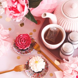 cupcakes-bloemen-rood-wit-high-tea