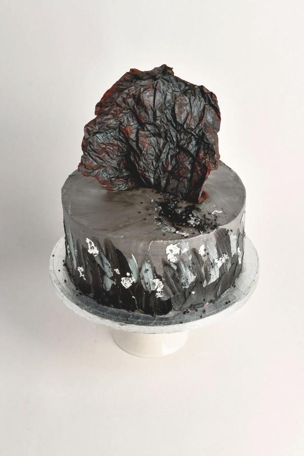 black-cake-silver-chocolate-boys