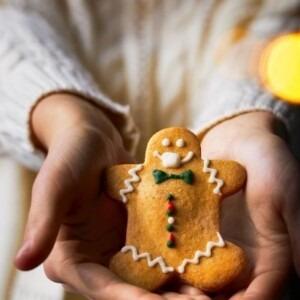 gingerbreadman-with-mask-xmas